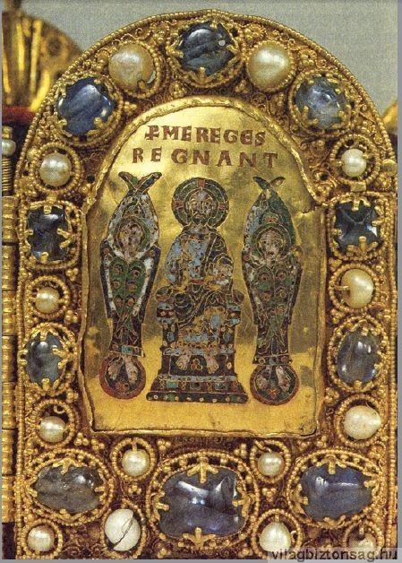 Kerubok a német-római császári korona egyik zománcképén